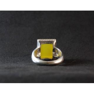 آرشیو محصولات مردانه انگشتر مردانه از جنس نقره و نگین عقیق زرد رنگ